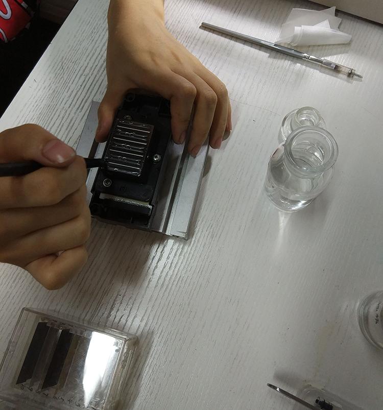 专业维修弱溶剂UV热升华第5代喷头侧漏爱普生五代喷头修复