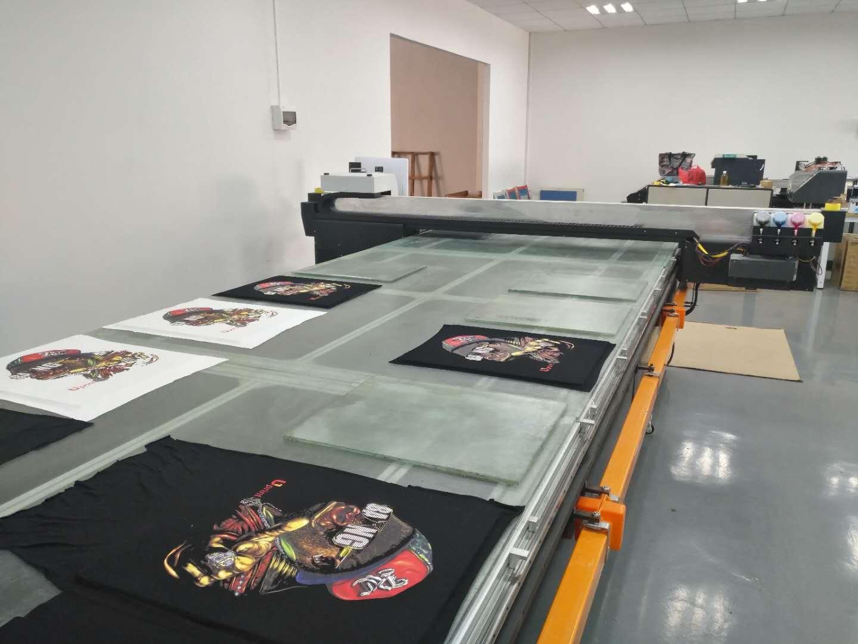 东莞跑台丝印机,跑台印花机,台板印花机,服装印花机,数码直喷印花