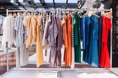 被时代裹挟的传统服装批发业